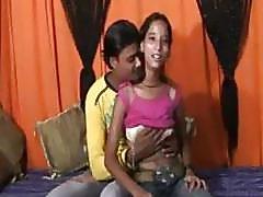 An 18 Year Mumbai Cute Girl Doing Sex with her Friend Raju